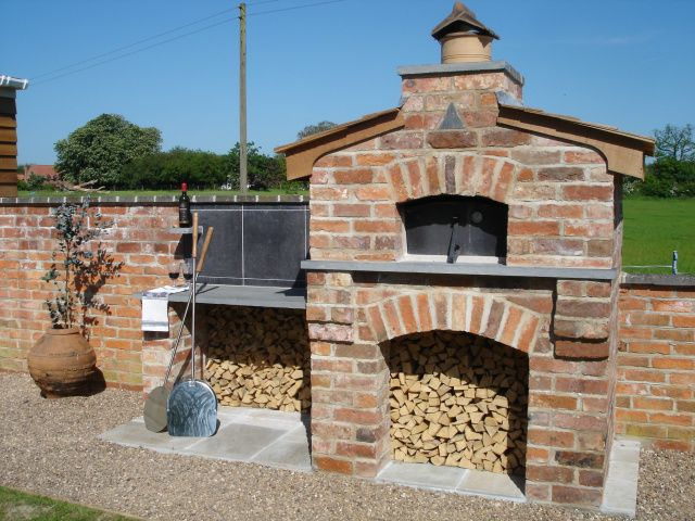 http://www.wood-oven-warehouse.co.uk/albums/album_image/7958114/7632738.htm