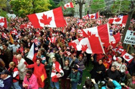 Après 16 mois d'enquête et deux millions de dollars, l'ex-juge Bernard Grenier est arrivé à la conclusion qu'au référendum de 1995, le camp du NON avait dépensé un demi-million de dollars de façon illégale par le truchement d'Option Canada et du Conseil pour l'unité canadienne (CUC).