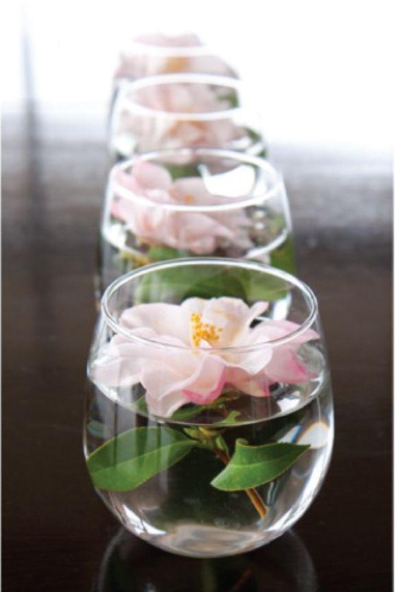 simple wedding table centrepiece