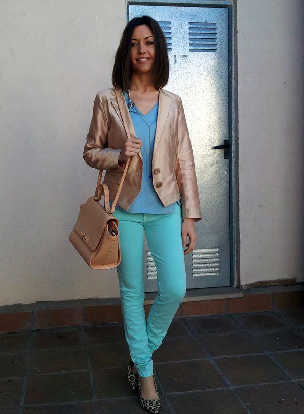 combinación de colores de moda, aguamarina intenso, azul celeste y beige con la chaqueta modelo sophisticated de la new collection instinto by isabella.