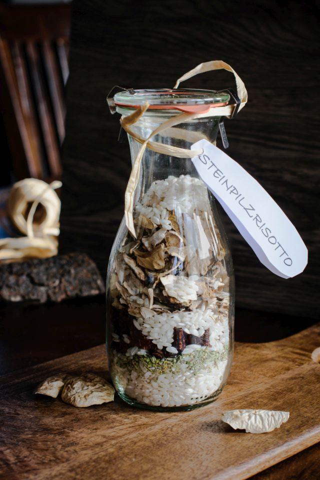 Ein DIY Beitrag: Geschenke aus der Küche. Steinpilzrisotto im Glas. Zum Selbermachen und Verschenken. Auch prima als Last Minute Geschenk