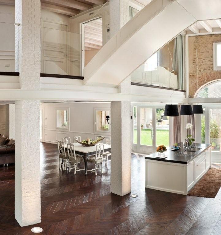 Oltre 25 fantastiche idee su colonne da arredamento su for Piani ponte veranda
