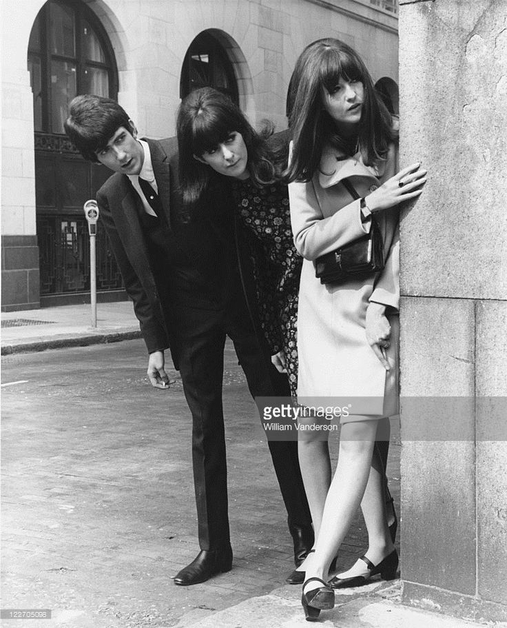 Ready Steady Go! presenter Cathy McGowan (right) outside the Savoy Hotel, London, with her brother John and sister Frankie, September 1965.