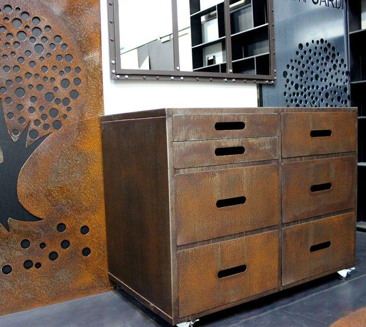 Meuble de rangement pour boutique acier brut rouill - Resine pour meuble ...