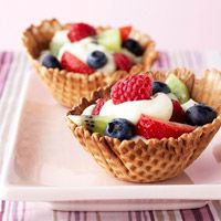 Fruity Waffle Bowls...I think I will try them with yogurt instead of pudding.  My boys would LOVE that for breakfast.