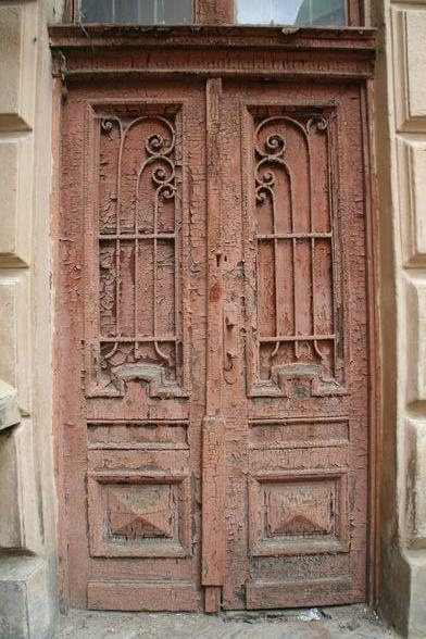 old doors: Doors Building Windows, Rustic Doors, Metals, Brown Doors, Frames Ukraine,  Closet, Place, Old Doors, Doors Gates Entrances Windows