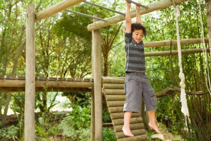 ¿Por qué es importante el ejercicio regular para los niños?. La mayoría de los niños disfrutan de la actividad física, y el ejercicio que hacen mientras juegan contribuye al desarrollo de huesos y músculos fuertes. Desafortunadamente, hay un número cada vez mayor de barreras al ejercicio para los ...