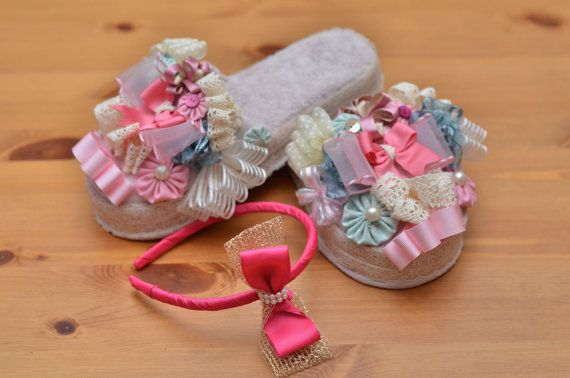 New mother slippers and by Happyclamentin on Etsy