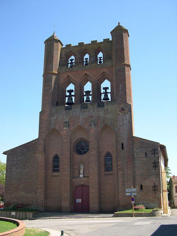 Montgiscard - Haute-Gatonne - Facade église - Clocher Mur