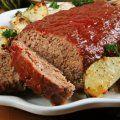 Receta de pastel de carne preparado con verduritas, salsa catsup y salsa inglesa. Rico y fácil de que les guste a los niños .
