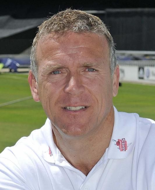 Alec Stewart played 447 first class matches including 133 tests and 170 ODIs scoring 26,165 runs. Top score 271 not out with 48 hundreds and 148 fifties. He took 721 catches.