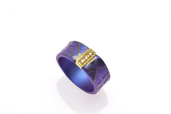 #Unique #EngagementRing, Anodized #TitaniumRing, Alternative #PromiseRing, Unique #Purple Ring, Giampouras Collections €406.00