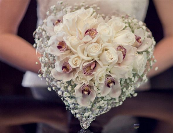 Heart Shaped Bouquet - 33 Artfully Arranged Most Beautiful Bouquet of Flowers in the World - EverAfterGuide