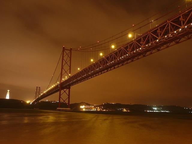 Ponte 25 Abril Bridge