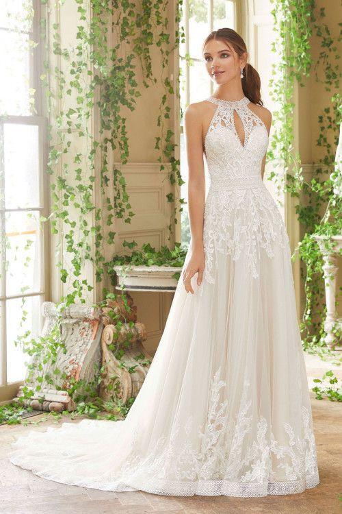 f135be5060455 A Kesim Gelinlik Modelleri Halter Yaka Uzun Kuyruklu İşlemeli Dantel  Detaylı#moda #fashion #fashionblogger #gelinlik #akesimgelinlik #wedding  #weddingideas ...