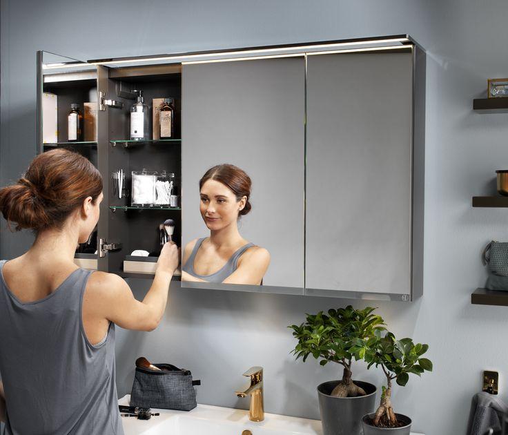 Ett spegelskåp är den perfekta lösningen för dig som är i behov av extra förvaring i ditt badrum.