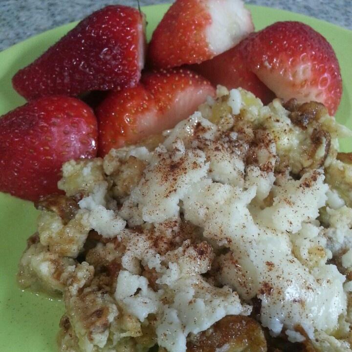 Dessert? Egg White & Banana Scramble topped w Coconut Butter/Cinnamon w a side of Strawberries!