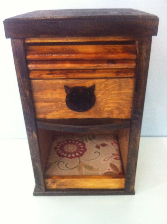 1000 ideas about cat feeder on pinterest cat stuff cat home and cat products. Black Bedroom Furniture Sets. Home Design Ideas