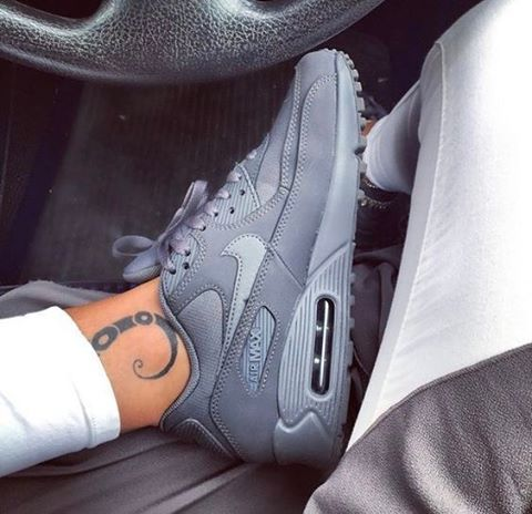 "(@airmaxalways) na Instagramie: ""Nike Airmax 90 x Essential • 👀 Tag a friend who would like these! 💥 • Keep using #airmaxalways on…"""