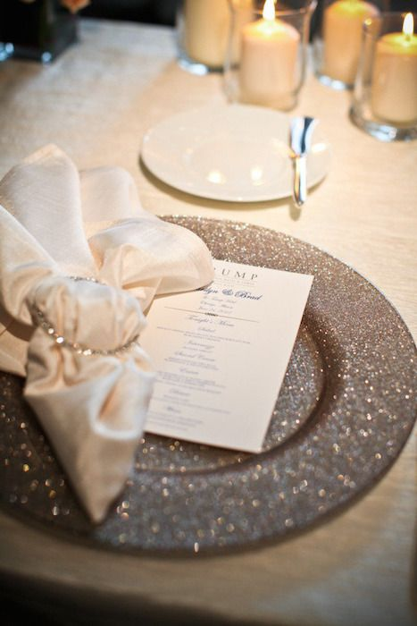 10 Ideas for Charger Plates | Intimate Weddings - Small Wedding Blog - DIY Wedding Ideas for Small and Intimate Weddings - Real Small Weddings | Notey