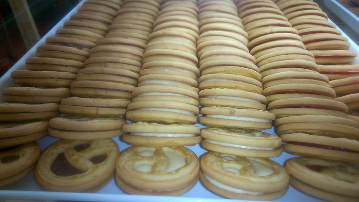 χαμογελαστά μπισκοτάκια απο το Bread House στη Νίκαια.Μιααααμ