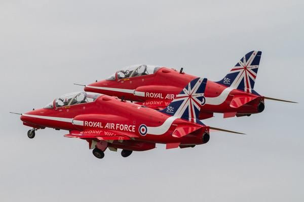 Did you know? 120 people keep the RAD Red Arrows in the air? (source @BAESystemsAir)