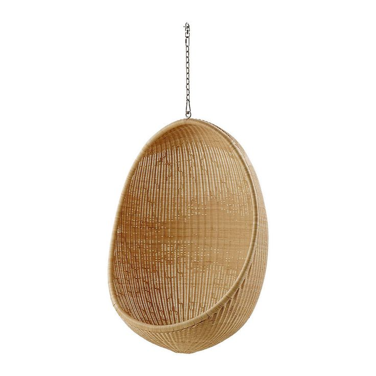 Most of us are familiar with the iconic design of the egg shaped chair floating in the air. The Hanging Egg Chair is a critically acclaimed design that has enjoyed praise worldwide ever since the dist