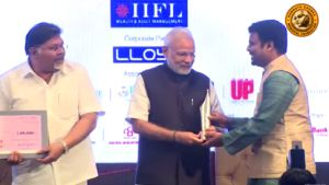 Latest India News Today : PM Modi gives away Ramnath Goenka Awards for Excellence in Journalism