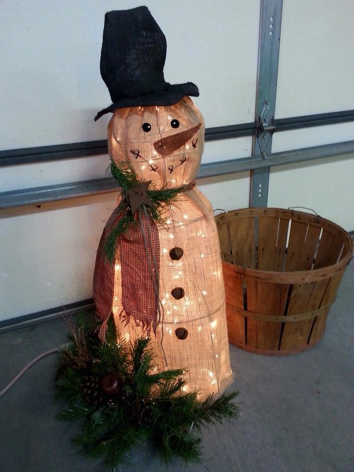 14 best images about tomato cages on pinterest for Snowman made out of burlap
