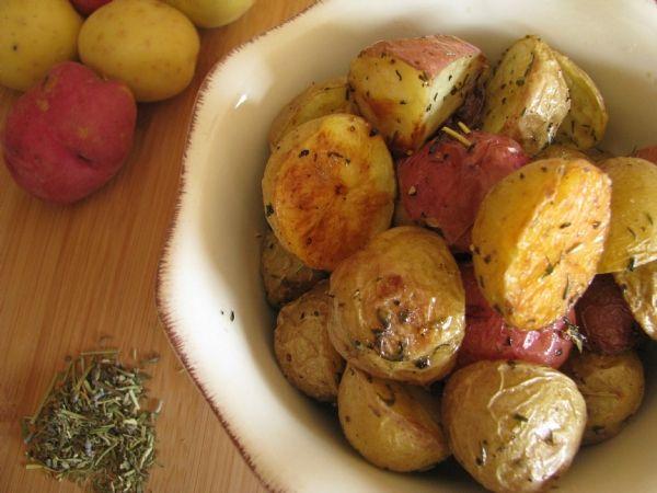 Jamie Oliver'dan Biberiyeli ve Deniz Tuzlu Fırında Patates
