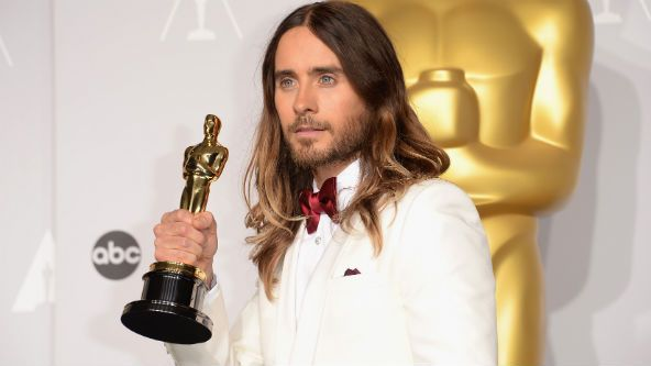 After winning the Oscar for Best Supporting Actor at the 86th Academy Awards on Sunday (March 2), Jared Leto may have made history -- and certainly made more than a few reporters' nights -- when he allowed members of the media to pass around his statuette.