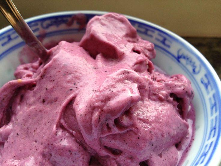 Rå blåbärsglass // Blueberry Nanacream (Banana Ice cream). - Sofias Lilla Gröna