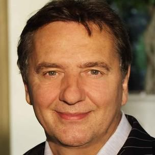 Raymond Blanc OBE is a French chef, born in Besançon, France. Today he is one of the Britain's most respected chefs. Blanc is the owner and chef at Le Manoir aux Quat' Saisons, a hotel-restaurant in Great Milton, Oxfordshire, England. Born: November 19, 1949 (age 63), Besançon, France.