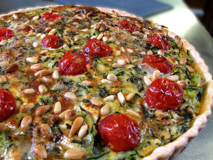 tarte courgettes, tomates cerise et pignons