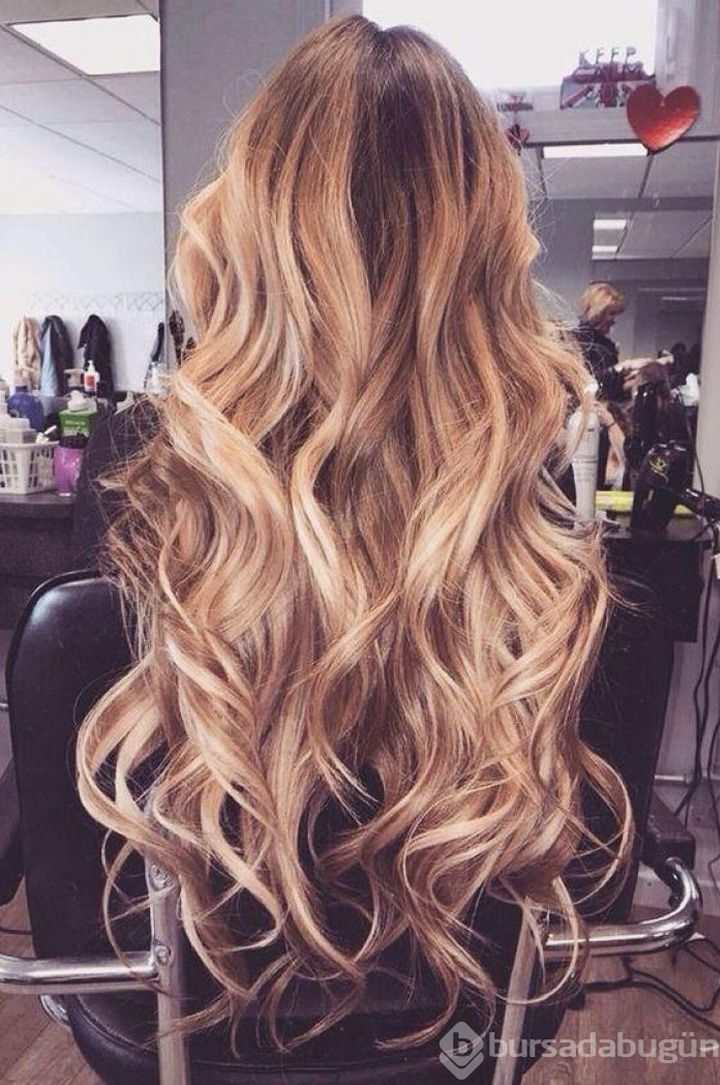 gorgeous loose curls prom hair