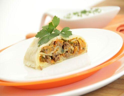Karotten-Fleischstrudel mit Kräuterrahm aus dem Dampfgarer