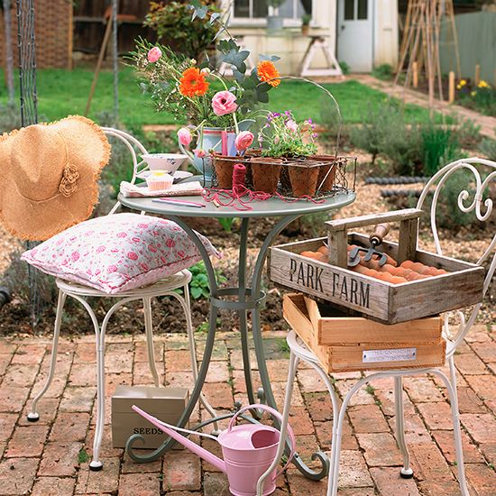 Makeover your garden during a Bank Holiday. Whether its upcycling a planter or creating an al fresco dining area, we have a vintage garden project to suit you