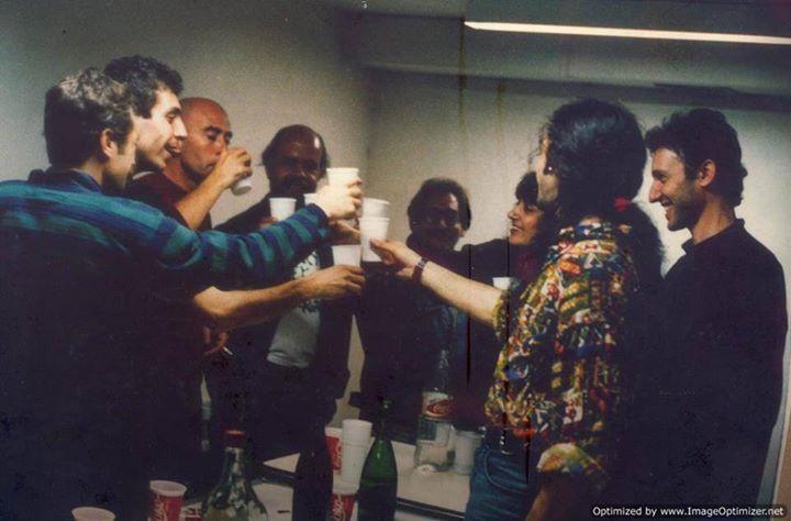 Bebamos de las copas  Más lindas que tenemos hoy...