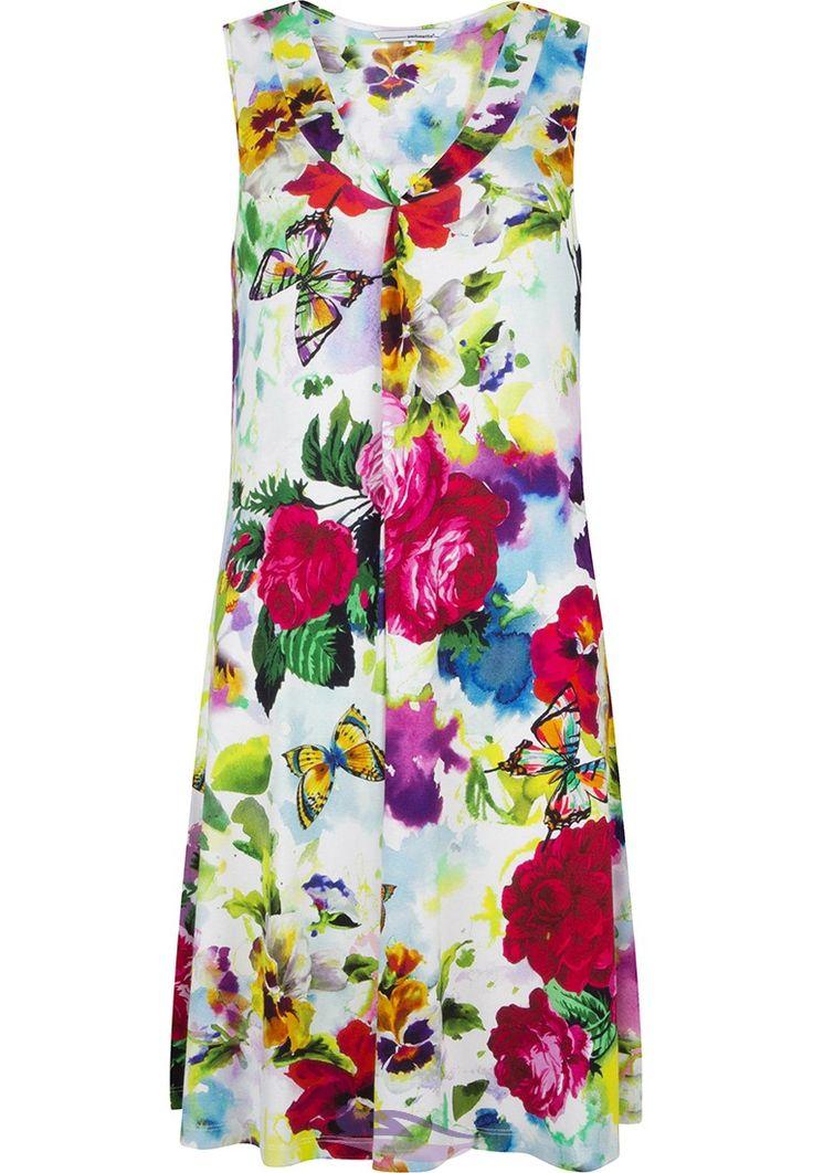 Feel beautiful in this Pastunette Beach 'Rose Garden Fowers & Butterflies' floral sleeveless beach dress