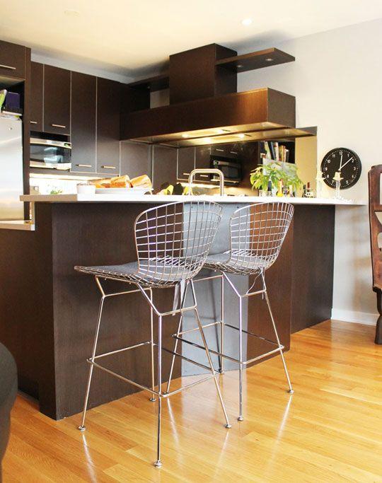 this kitchen...: Kitchens, House Tours, Barstools, Luxury Houses, Apartment Ideas, Kitchen Ideas, Design