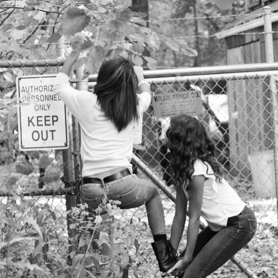 This totally looks like something my sister and Nina would do