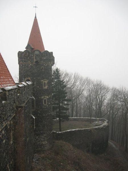 Zamek Grodziec- ganki i wieża