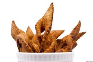 Csörögefánk, rózsafánk http://www.receptmuves.hu/2012/01/szalagos-fank.html #csoroge #fank #donut #hungarian #tradicional