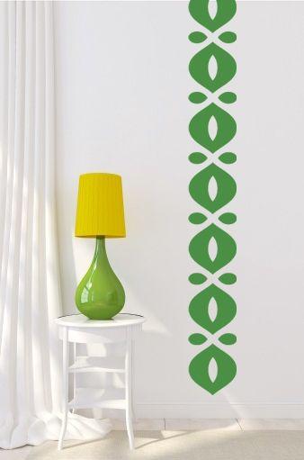 Vinilo adhesivo para colocar a lo largo de la pared. Atrévete con un color fresco y vibrante como éste verde.