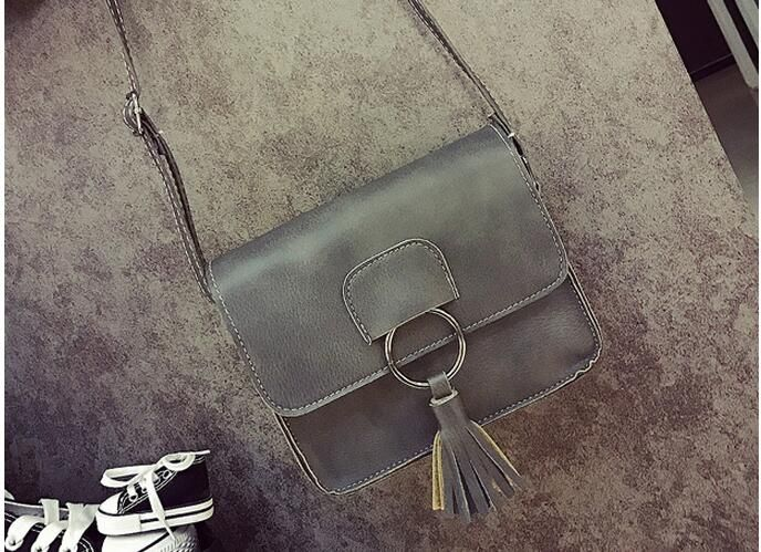Find More Shoulder Bags Information about 2017 vintage style women leather handbags famous brand tassel shoulder bags crossbody bags for girls drop shipping MN86,High Quality Shoulder Bags from MinongTrading Co. Store on Aliexpress.com
