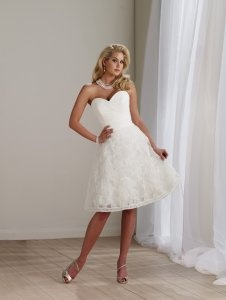 Ivory Sweetheart Ruched Lace Flower Short Wedding Dresses