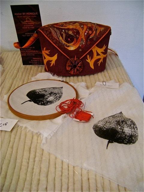 ateliervandommelen: Geborduurde zeefdrukken / zeefdrukken borduren