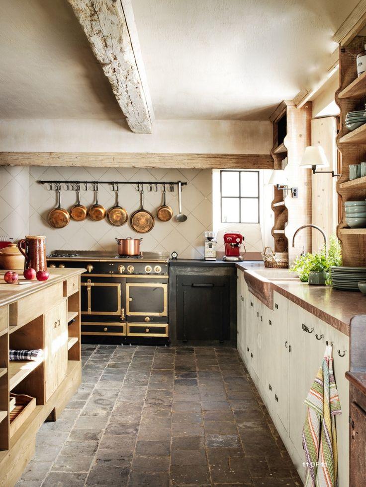 Belgian kitchen in Veranda. photo by Michael Paul/Living Inside