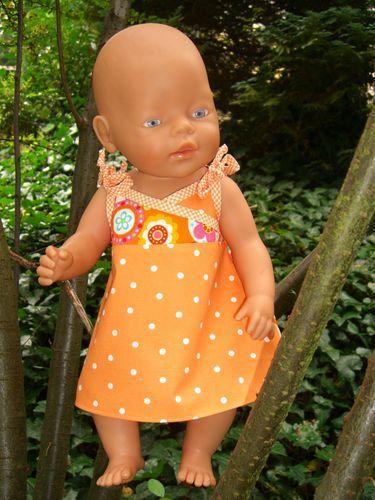 Kostenloses Schnittmuster Carlotta (für Puppen) von Mamu Design
