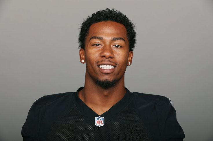 Raiders cornerback Sean Smith pleaded not guilty in a Pasadena courthouse Friday to felony charges he allegedly beat up his sister's boyfriend on July 4.